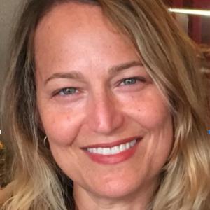 Jennifer Goldsmith Headshot